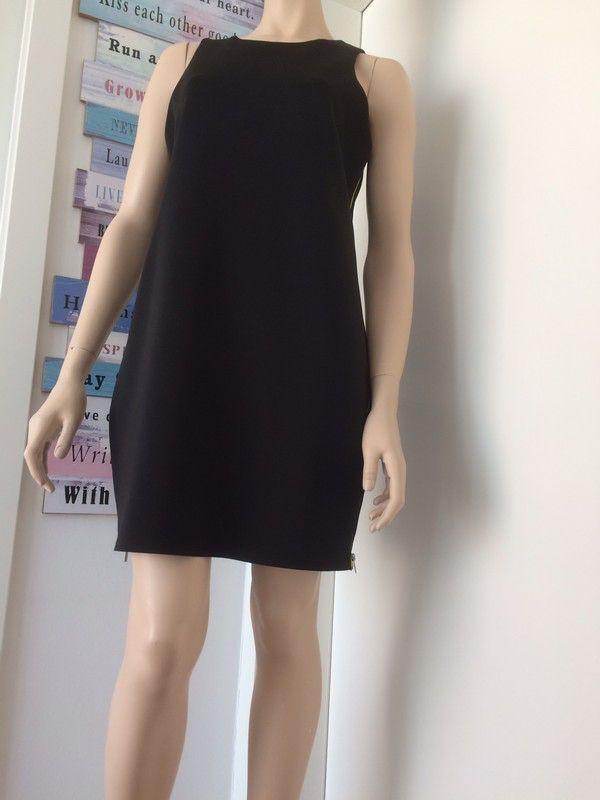 Mein Schwarzes kurzes Kleid von Promod von Promod! Größe 42 / L / 14 für 8,00 €. Sieh´s dir an: http://www.kleiderkreisel.de/damenmode/minis/151481469-schwarzes-kurzes-kleid-von-promod.
