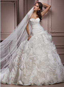 Chic sleeveless bridal gown.