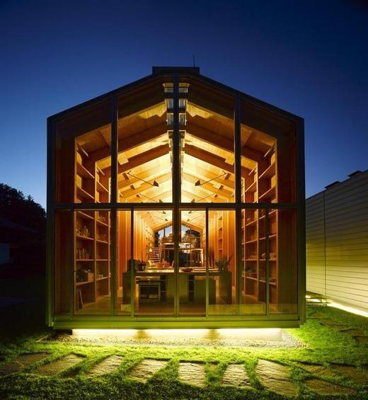 Modern, minimalista otthon és munkahely - a csónakház ihlette Nobis House