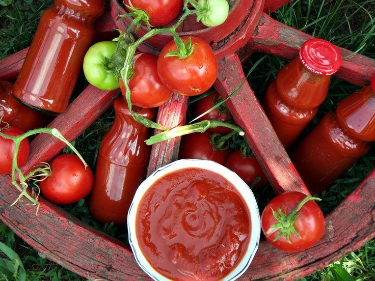 CAIETUL CU RETETE: Ketchup de casa