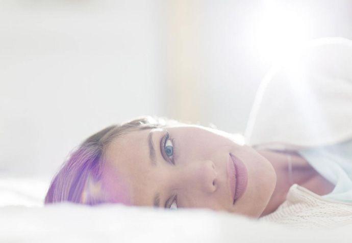 Йога для лица: омоложение без уколов. Выполнение этих четырех упражнений займет всего несколько минут. Но если сделать их ежедневным ритуалом, они способны подтянуть кожу и вернуть красивый овал лица без хирургического вмешательства.