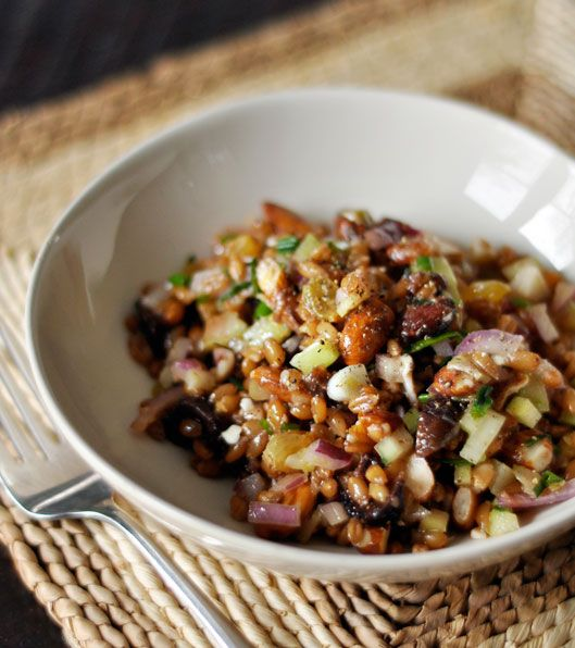 Winter Wheat Berry Salad with Figs & Red Onion  Adapted from Johnny Dornback of Basi Italia. Serves 8