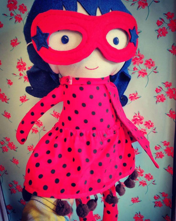 Please don't bug the lady! l>>> click link in bio to head over for more superhero girls; #lalobastudio #lalobadolls #etsy #etsysuccess #DifferenceMakesUs #ladybug #superherogirl #dolls #preschoolers #dollsanddaydreams #honestmotherhood#candidchildhood #livethelittlethings #liveauthentic #findingfoundation #letthembelittle #thatsdarling #thehappynow #littleandbrave #miraculousladybug  #toddlerplay #learnthroughplay#kidsactivities #finemotorskills #learningthroughplay #creativekids…