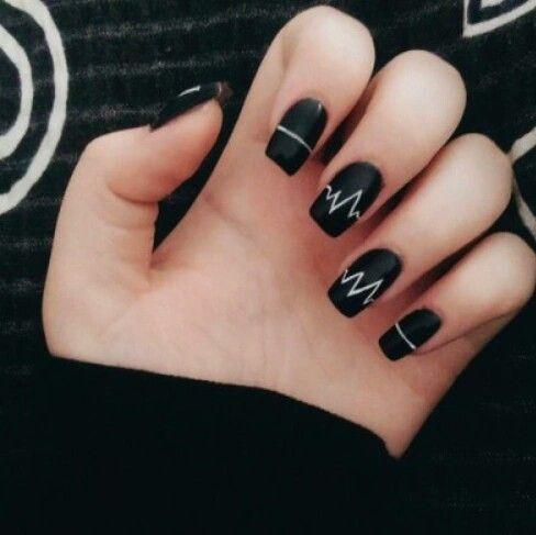 108 best nals images on pinterest nail scissors enamels and uas a blanco y negro estilo arctic monkeys prinsesfo Images