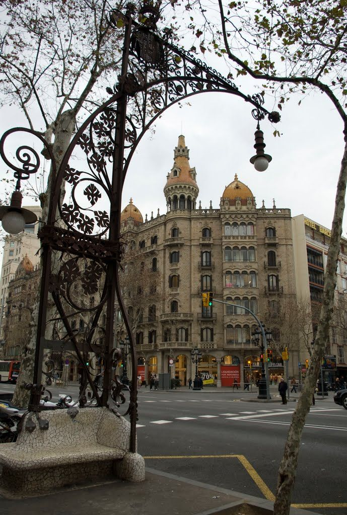Passeig de Gracia Barcelona Catalonia, loved exploring the shops here, we stopped for a drink in a gorgeously gothic little square, which had a market and live music/dancing. Sangria and a spanish dancer performing his traditional flamenco! @0dj2qz9imp1clr5 we have to go back <3
