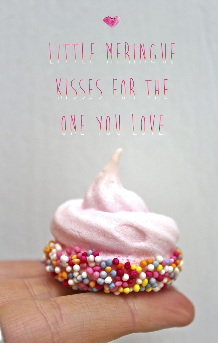 make little meringue kisses for valentine's day!