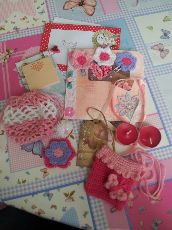 Snailmail Send to Mabel! I've made her an adressbook.