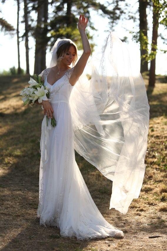 Nunta: Rochia de mireasa | Laura Cosoi