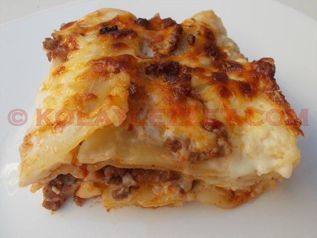 KIYMALI MAKARNA NASIL YAPILIR? Bolonya italya  Kıymalı Lazanya nasıl yapılır? İftarda farklı bir makarna yemeği yapmak ister misiniz? Nefis sosların makarnaya kattığı enfes lezzet Anadolu damak tadına uygun bu güzel İtalyan yemeğine Ramazan sofralarında yer açılmasını sağlıyor. İşte resimli kolay lazanya yapımı tarifi: