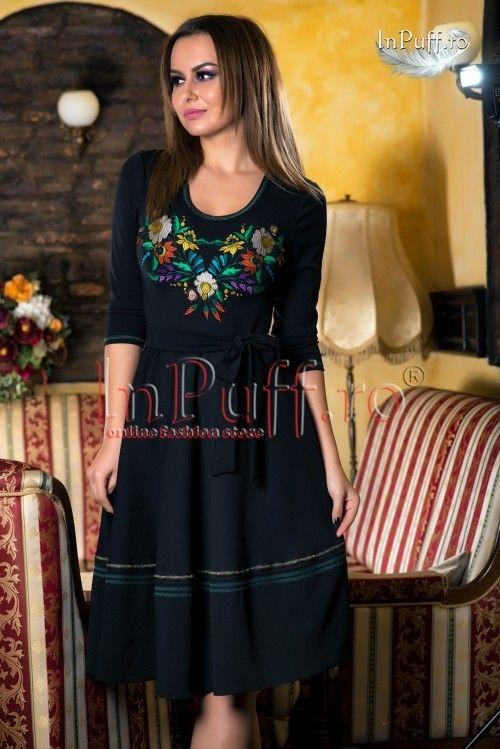 Rochie midi neagra cu model floral brodat