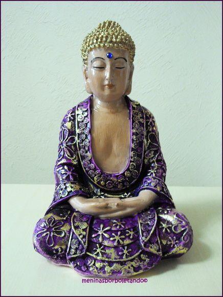 Buda Mensageiro do amor e sabedoria, assim como Jesus não é propriedade de nenhuma religião, tbém Buda e seus ensinamentos são para humanidade. Sabedoria, Poder e Amor à todos ! Duas peças uma na cor violeta e a outra azul . R$ 38,00