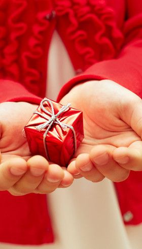 10 meaningful Christmas gifts for kids: Give your child a gift they will cherish this Christmas, rather than another toy that they will forget.