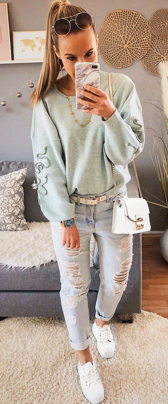 gray sweatshirt #spring #outfits