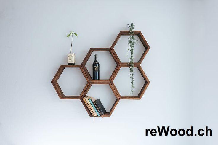 Wandregal von reWood //  Set mit sechseckigen Holzkisten zum Aufhängen oder Stapeln. // Palettenmöbel aus der Schweiz, Bern, Biel // marcorothphotography.ch