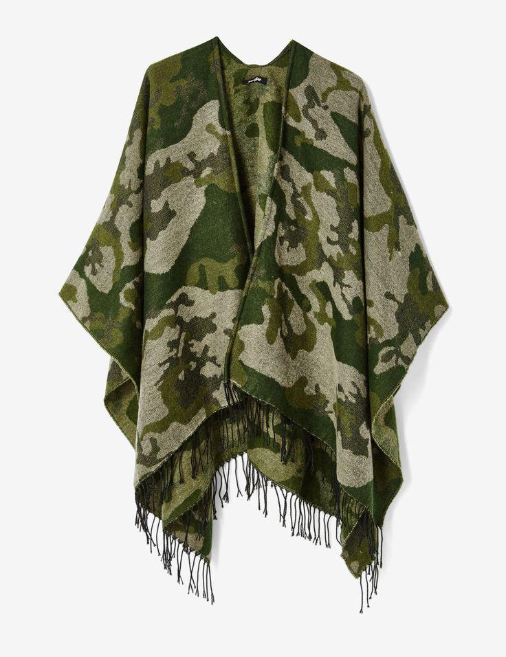 cape camouflage kaki - http://www.jennyfer.com/fr-fr/accessoires/echarpes-et-foulards/cape-camouflage-kaki-10016111098.html