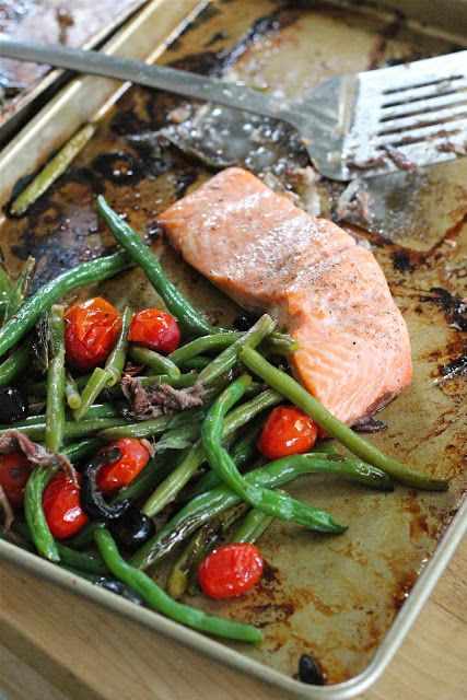 Eat Good 4 Life » Jamie Oliver's tray baked salmon with veggies
