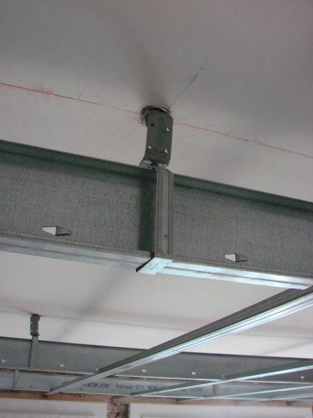 Déco Plus peut réaliser l'Isolation phonique d'un plafond le son propage principalement par la structure principe : on crée un écran phonique sous le plancher porteur Placoplâtre propose 2 systèmes selon les portées cette structure porte l'isolant d'un...