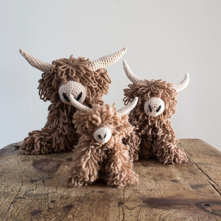 It's so exciting to see so many of you starting to make Morag and there's been lots of questions about how much yarn you would need to up-