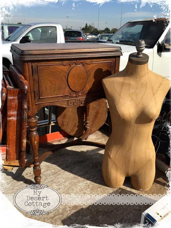 Sharing my love of all things vintage, and aged with the patina of time...