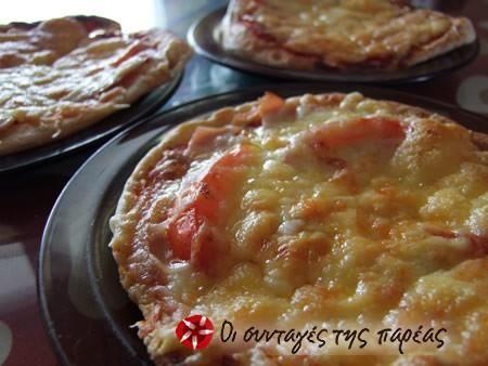 Πίτσα με πίτα του γύρου #sintagespareas #pizzamepitagirou