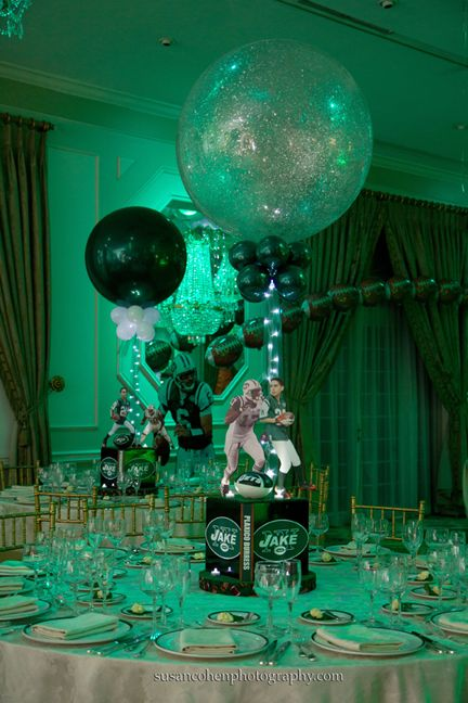 Football Banquet Centerpieces | Jets Football Theme Centerpiece with Balloon Decor in Jets Team Colors