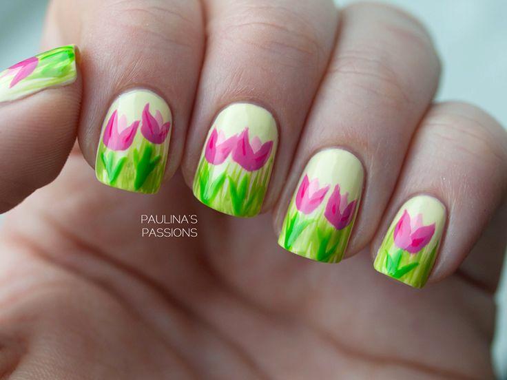 7 tulips nail art