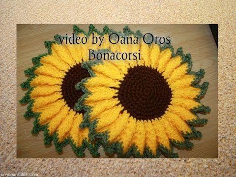 Download video: crochet sunflower hot pad