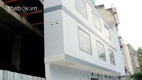 """Nằm ngay trung tâm Sài Gòn, với thiết kế hiện đại 2 tầng, nhưng căn nhà này lại có """"chiều dài"""" không đến 1m."""