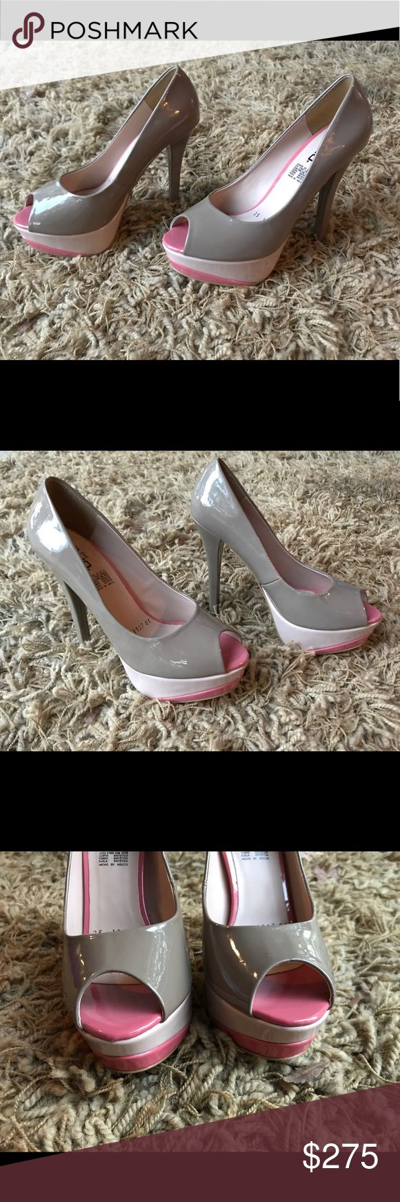 """Capa De Ozono Nude & Pink stilettos Brand new Capa de Ozono stilettos 6"""" heel made in Mexico absolutely stunning can dress up or down serial numbers for authenticity Capa de Ozono Shoes Heels"""