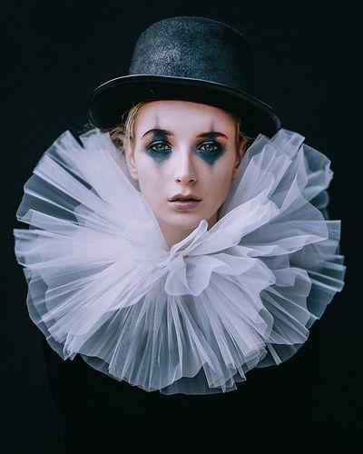 The sad clown   por Adam Bird Photography