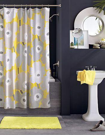 同じウニッコ柄でも色を変えると新鮮!ファブリックの色に使われているグレーを壁紙やフロアーに使い、黄色を小物に使うのがにくいですよね。