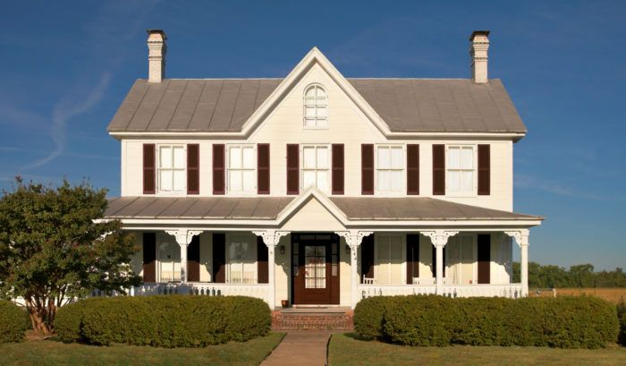 Creating A Classic Design Doesn T Mean You Have To Do Everything The Old Fashioned Way With Cont In 2020 Farmhouse Floor Plans Farmhouse Plans Farmhouse Style House