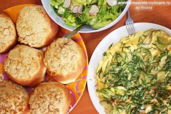 Chives and zucchini frittata