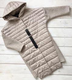 Наши комбинированные пальто согреют в ненастную погоду☺️ Размеры в наличии: 42-56