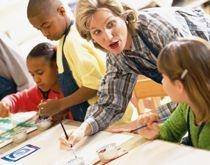 En qualité de moniteur-éducateur vous exercerez vos fonctions auprès d'enfants, d'adolescents et d'adultes inadaptés ou handicapés ou en situation de dépendance. Vous serez chargé d'assurer l'animation et l'organisation de leur vie quotidienne. Vous participerez à l'action éducative entreprise à leur profit en liaison avec les autres professionnels de l'éducation spécialisée.