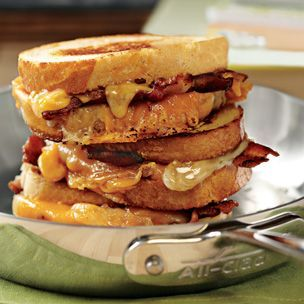 Bacon Grilled Cheese Sandwich... bacon = always delicious!