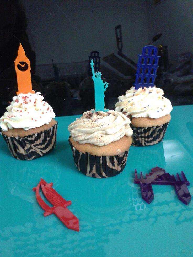 Topes para cupcakes acrilicos de colores 24 piezas Travel Party de Cunaguarografico en Etsy