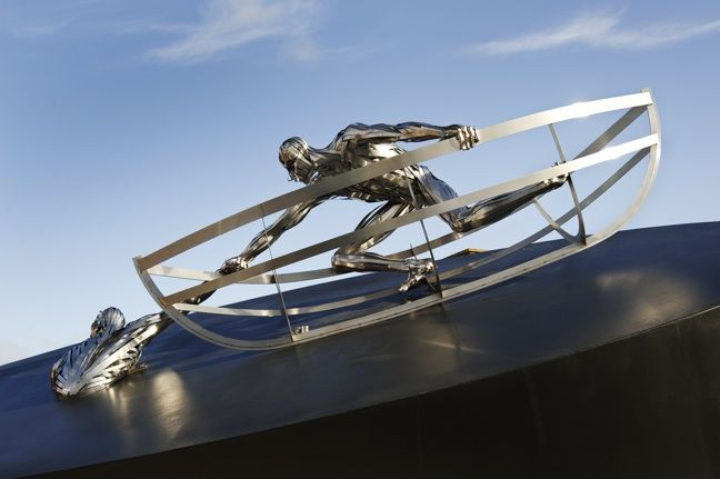 The RNLI Memorial statue by sculptor Sam Holland
