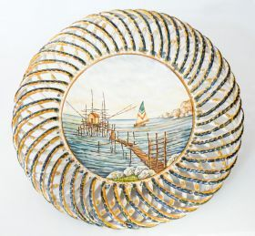 Centerpiece with seascape and braided wrapper of Ceramiche Liberati Centerpieces made entirely by hand with hand-braided headband and hand painted