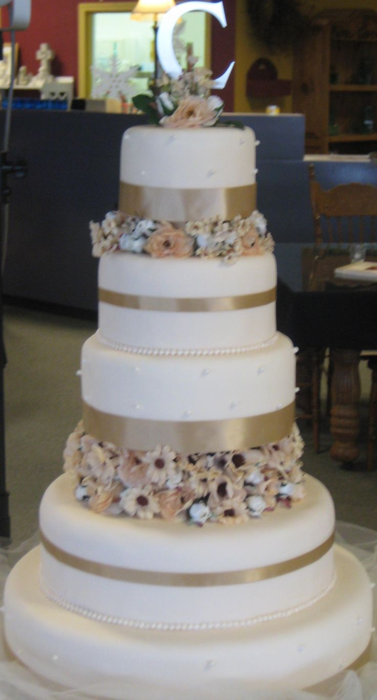 wedding cake dividers 88 best images about cake on vintage wedding 8633