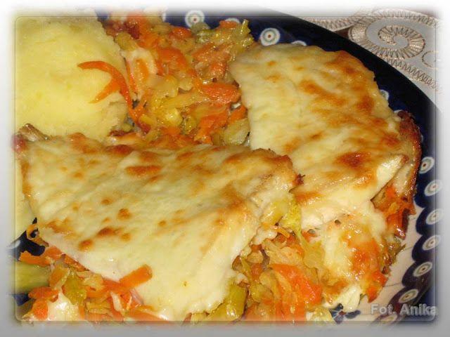 Domowa kuchnia Aniki: Ryba na warzywach z piekarnika