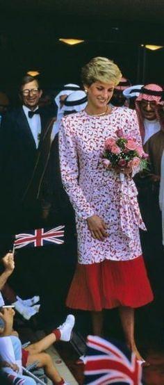 Princess Diana....Uploaded by www.1stand2ndtimearound.etsy.com ...