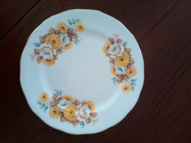 Royal Vale plate.