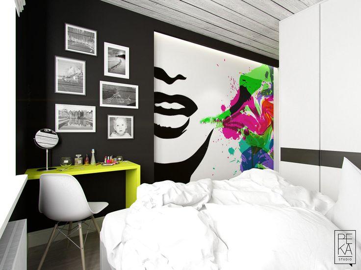 Kolorowe dodatki w biało-czarnej sypialni
