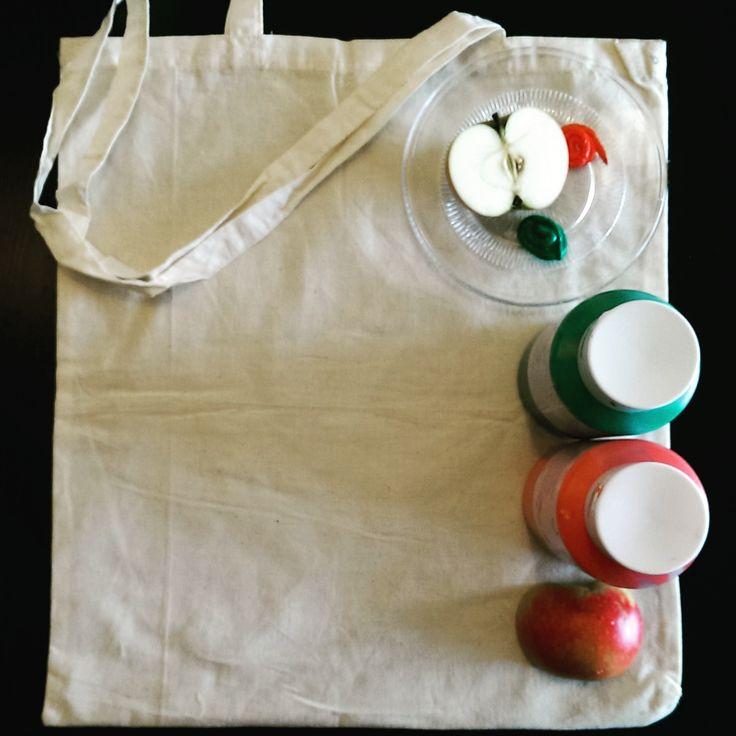 Alle ingrediënten zijn aanwezig om zelf een hippe tas te stempelen met groente en fruit