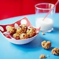 Chewy Granola Balls (via Parents.com) Tried making these for M tonight ...