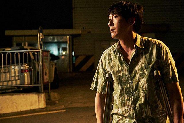 영화 당신자신과 당신의 것에서 영수 캐릭터로 분한 배우 김주혁. 배우 김주혁은 오는 10월 개봉되는 영화 당신자신과 당신의 것에서 영수 캐릭터를 연기했다. /당신자신과 당신의 것 스틸