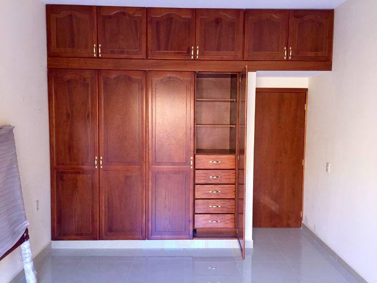 Cl set de cedro con puertas estilo catedral decoraci n for Ideas para puertas de closet
