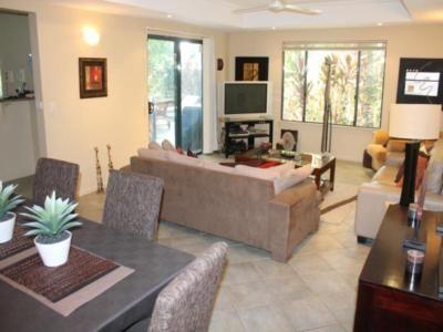 Cove Villa $1300