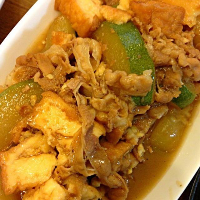 冬瓜始めて料理しましたぁ(@_@) - 3件のもぐもぐ - 冬瓜と豚肉と厚揚げの煮物 by ajy904
